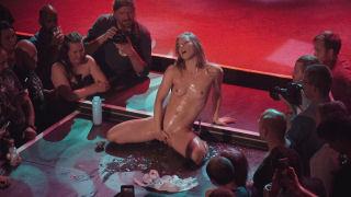 Sexhibition soap show