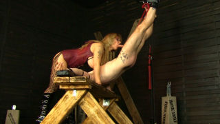 Pain and pleasure with Monicamilf